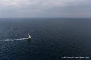 Sailingaerialimagesoftheimocaboatle